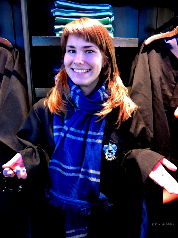 Ravenclaw through and through. Prawie nabyłam tę szatę.